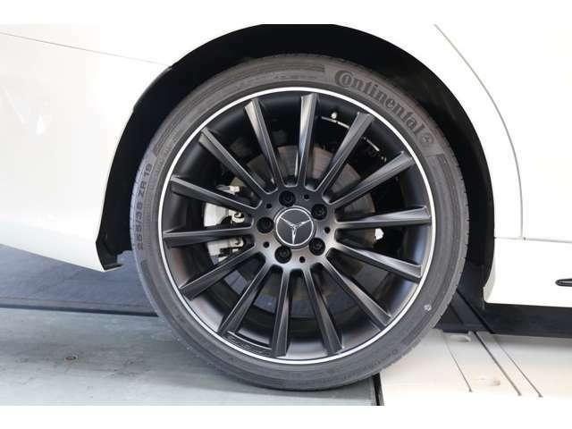 加速性能、ブレーキ性能、乗り心地、デザイン、全てにおいてご満足頂ける乗用車です!