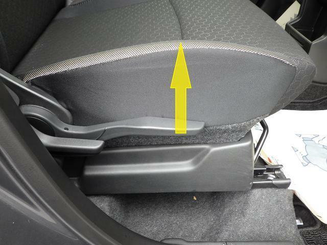 背の高い低いも関係なくシートリフターで最適なドライビングポジションに変更できます。