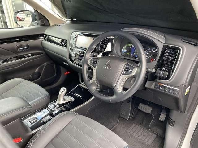 元試乗車だけに車内はとてもキレイな状態。