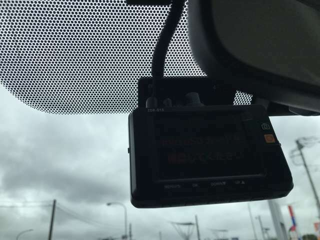 前後社外ドライブレコーダー装備