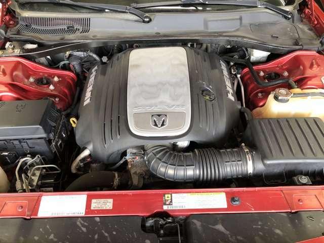 V8 5.7L HEMIエンジン!4WDでHEMIが積雪地帯でも年中楽しめます!機関良好!