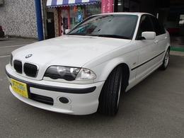 BMW 3シリーズ 320i Mスポーツ サンルーフ付き