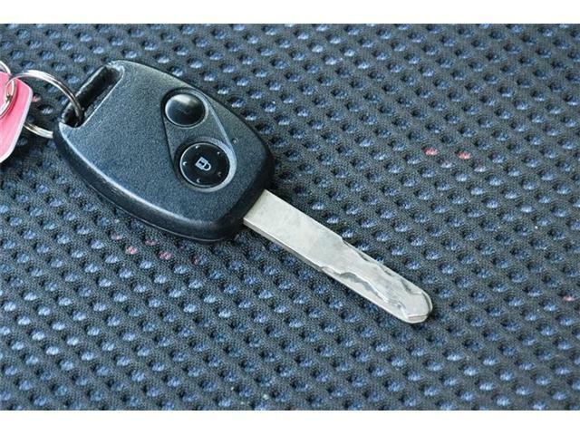 キーレスキー付き♪ワンタッチでドアのロックアンロックが可能です♪