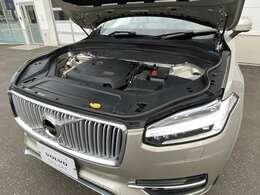 ◆力強い【T6エンジン】はトルクフルで疾走感あふれる走りを実現。発進や停止時のなめらかさも大きな魅力です