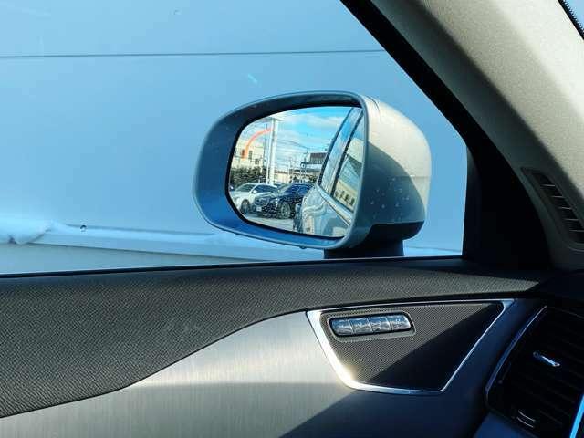 ◆左右後方の車を知らせる「BLIS(ブリス)」など、先進運転支援機能「インテリセーフ」には10ものアシスト機能を内蔵