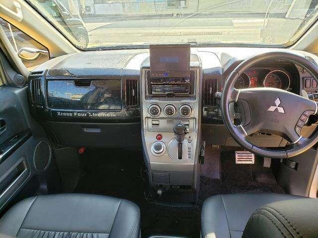 4WD!スマートキー!Wエアバック!ABS!左パワースライドドア!社外HDDナビ!ETC!後席モニター!16AW!社外シートカバー!