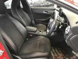 写真でおわかり頂けると思いますが使用頻度が高い運転席に関わらずこんなに綺麗です!