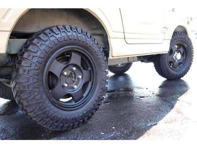 タイヤはクリーピークローラーをチョイス☆ホイールは純正アルミホイールです♪♪