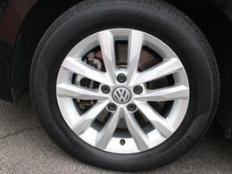乗り心地と燃費性能を重視した16インチタイヤを装着。