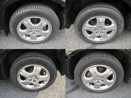 四輪タイヤ&16インチアルミホイール。タイヤは4輪共、溝は残ってます。