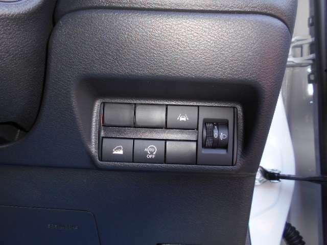 運転席付近のスイッチ類です