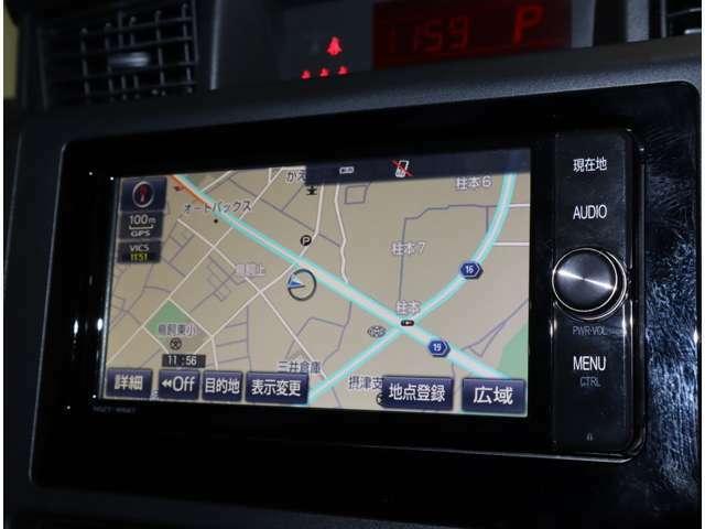 トヨタ純正メモリーナビ装着。CD再生やラジオの受信はもちろん、フルセグでの地デジ放送やDVDビデオ再生、Bluetooth機能付いております♪
