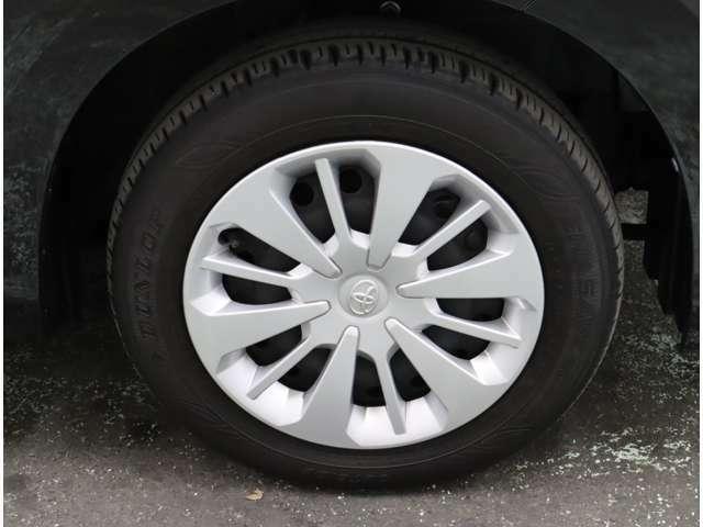 タイヤのサイズは、165/65R14です。