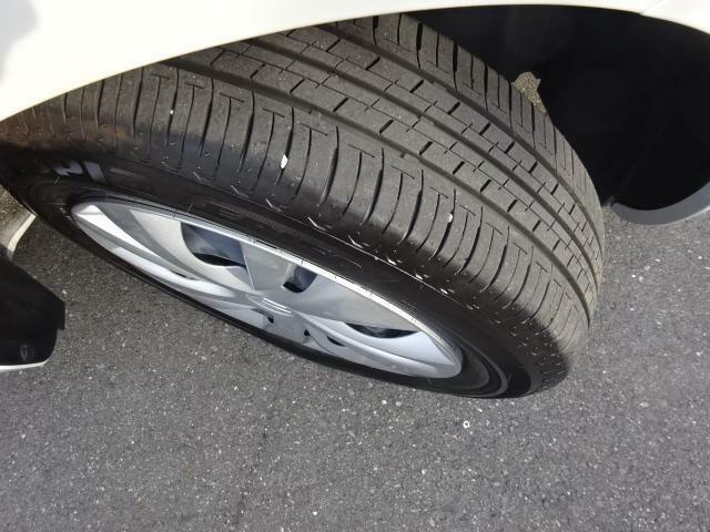 タイヤ溝ご確認下さい。