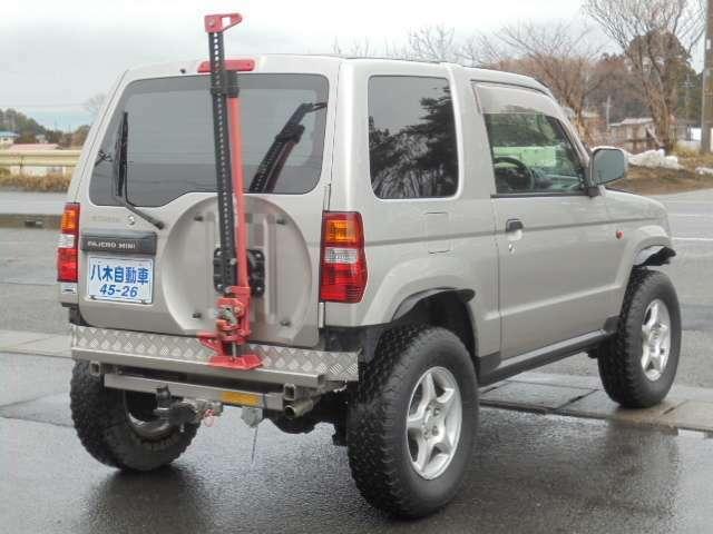 乗用車の他にも、トラックや商用車などお仕事に活躍するお車も多数展示!見応えのある当店へ是非ご来店ください!