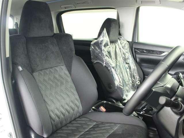 視界が広く、周囲も見やすいので安心して運転できます。