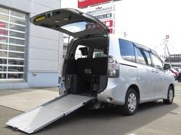 トヨタ ヴォクシー ウェルキャブスローパー 4WD 車イススロープ 車イス1基 寒冷地仕様