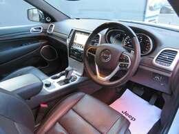 Jeep江戸川認定中古車をご覧頂き誠にありがとうございます!【内装色ジープブラウン】内外装もとても綺麗な車両になります!お気軽にお問合せ下さい!