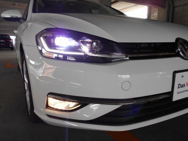 LEDヘッドライトにはダイナミックコーナリングライトやフォグランプも装備されています!