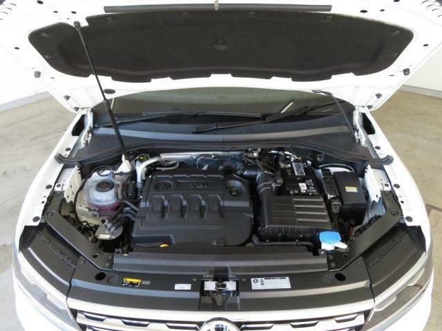 低回転から力強いトルクを発生する2.0L TDIエンジンに4MOTION(フルタイム4輪駆動)を搭載。軽快かつパワフルに駆け抜けることができます!