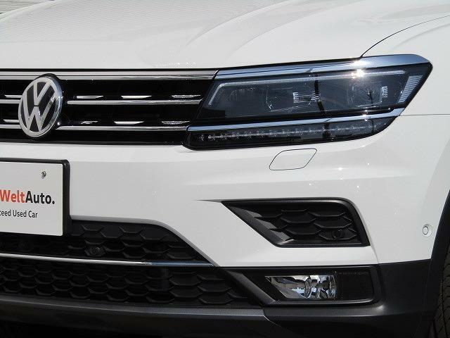 LEDヘッドライト:日中の自然光に近いLEDの光が、より明るく夜道を照らしドライバーの疲労をj減らします。消費電量が軽減され燃費の向上につながると同時に、従来のヘッドライトより長寿命を実現。