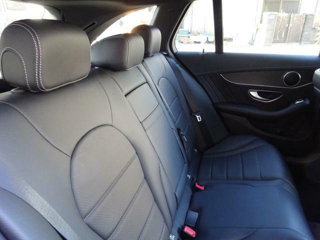 メルセデスの認定中古車「サーティファイドカー」では、万一お車が故障した場合も、ご購入後1年間もしくは2年間※は走行距離にかかわらずメルセデス・ベンツ正規サービスネットワークで無料修理いたします。