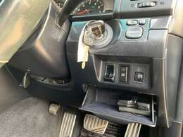 純正キーレス・ETC・電動格納ドアミラー・ヘッドライトレベライザー・ドアミラーヒーターなどの機能がご利用可能です!