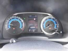 スポーティーなデザインのスピードメーターです。