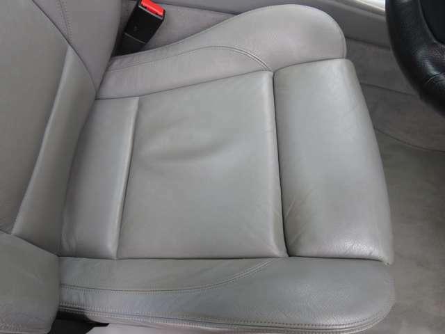 自慢のシート状態です♪前ユーザー様も丁寧に乗っていられたお車です!