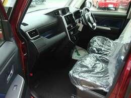 内外装共に磨き&クリーニング後に納車致します。