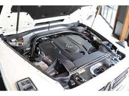 直列6気筒3.0Lディーゼルターボ付きエンジンはフルタイム4WDに9速ATを組合わせ、ボディサイズに負けないパワフルかつ快適な走りをお約束!!