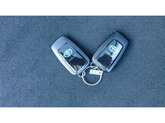 キーをバックやポケットに携帯していればキーを取り出さなくても乗り込めるので、荷物を持っている時や急いでる時などに便利です。