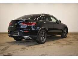 メルセデスの認定中古車「サーティファイドカー」には、100項目にも及ぶ点検・整備項目が設定されています。
