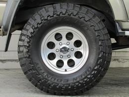 ミッキートンプソンクラシックIII16インチアルミにTOYOオープンカントリーMTタイヤの組み合わせ!