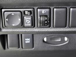 WORK22インチアルミホイール・車高調・黒革シート・エアー&シートヒーター・HIDヘッドライト・ルーフレール・バックカメラなどの装備が付いています☆