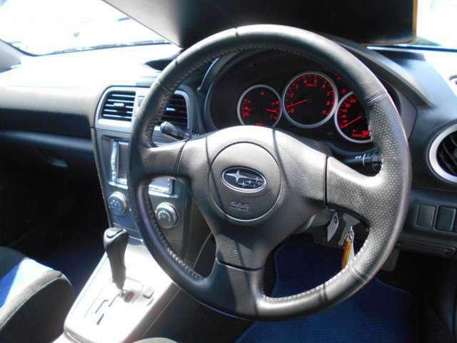 もしもの時の安全装備も充実!!運転席/助手席エアバック&ABS&安全ボディー付きで万が一の時も安心です!!盗難やイタズラが気になる方は当社にてセキュリティーをお付けすることも可能ですよ!!!