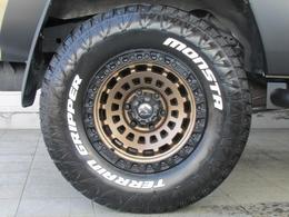 新品FUEL17インチアルミに新品MONSTAタイヤの組み合わせ!