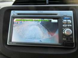バックカメラも装備しておりますので、駐車の際も安心ですね!目視確認も忘れずに!!