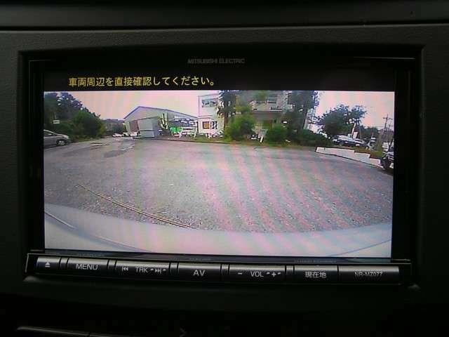 コーナーセンサー付きバックカメラもございます!安心して後退して頂けます。駐車時等に非常に便利な機能です。