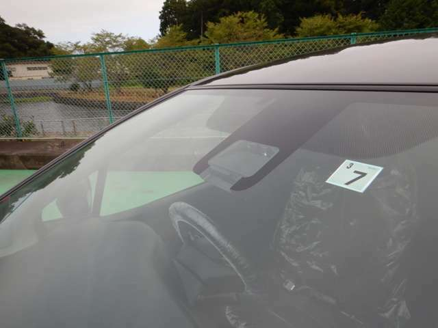 トヨタセーフティーセンス付き☆衝突軽減ブレーキ☆車線逸脱警報☆オートハイビームなど安全装備がしっかりと付いております☆