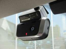 BMW純正ドライブレコーダー装備です。