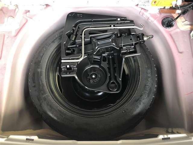 今ではオプションになってしまったスペアタイヤが装備されています。万が一の時に役立ちます☆☆