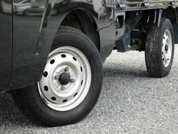 タイヤの溝も十分あります