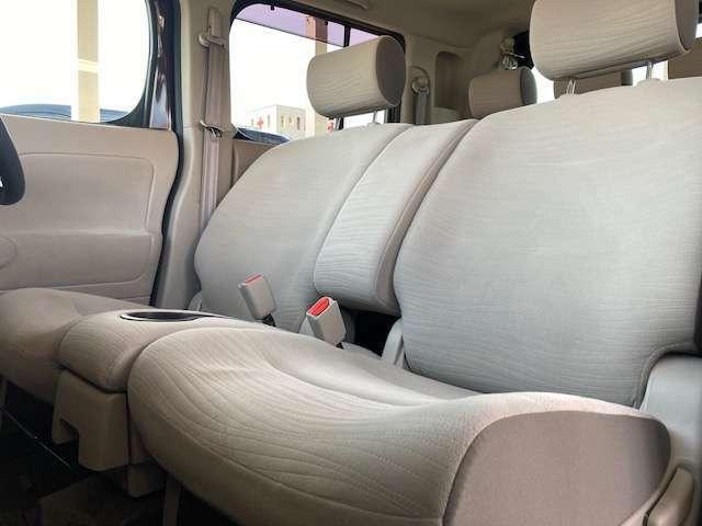★助手席もゆったり空間で快適ですよ♪★