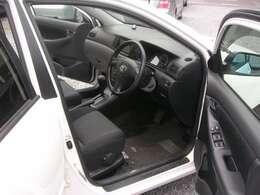 運転席も便利機能と操作性の良さはカローラ伝統です。