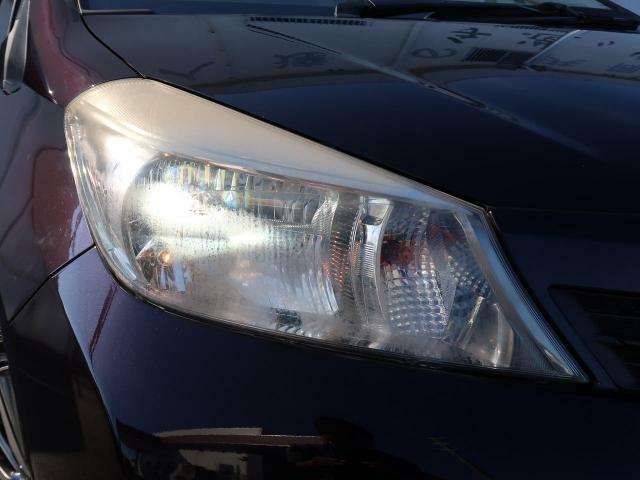 ☆ディスチャージヘッドライト☆ハロゲンヘッドランプと比べて輝度が約3倍の明るい性能を持ったヘッドランプの事です。キセノンライトともHIDライトとも呼ばれます!