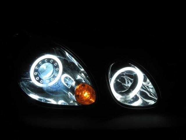 ヘッドライトランプはイカリング!そして輝いています!