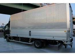 荷台パブコ(6290×2400×2400)/ラッシング2段  荷台に大きな傷はなくきれいです。