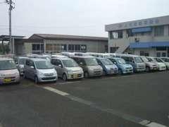 軽乗用車・軽バン・軽トラ・商用車を多数品揃え致しております。