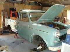 さまざまな旧車の修理も承っております。